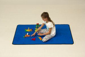 play rug solid blue 4