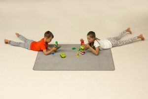 play rug solid grey